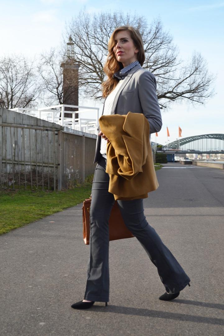 Uberlegen Grau Im Büro Und Alltag: Wie Kombiniert Man Sie?