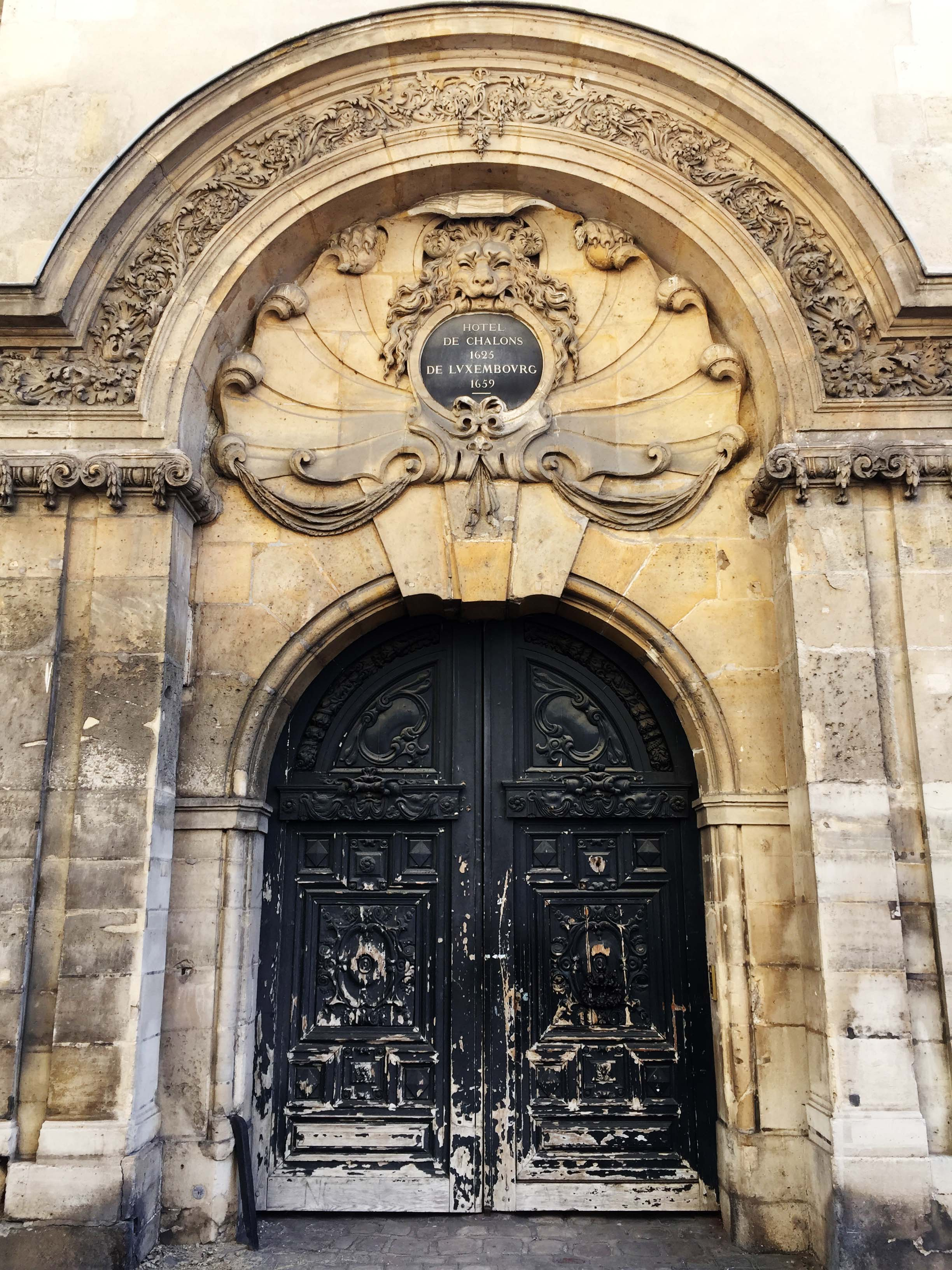 Paris, Doors