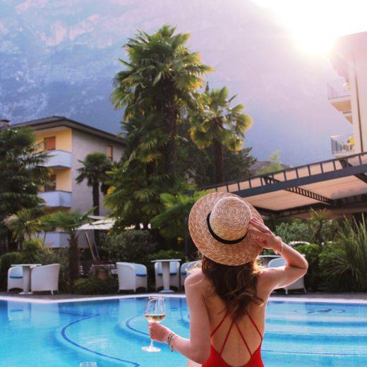 Poolbereich Hotel Villa Nicolli