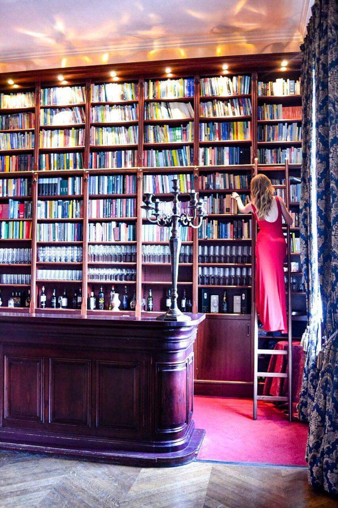 Bar Bibliothek im Huis de Voogst
