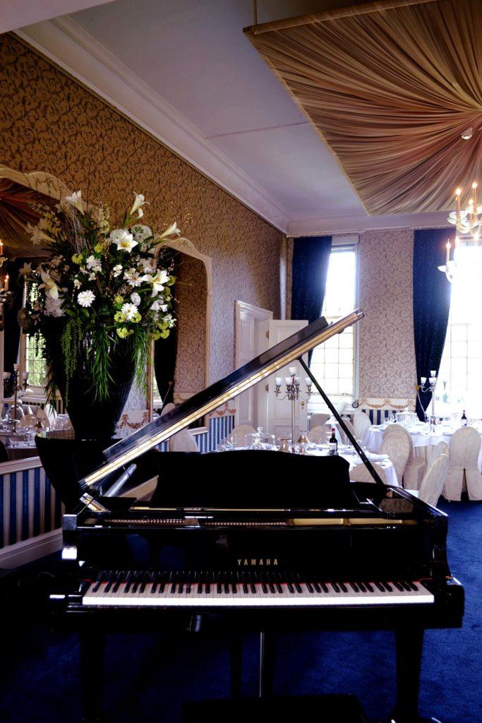 Klavier im essbereich in Huis de Voogst