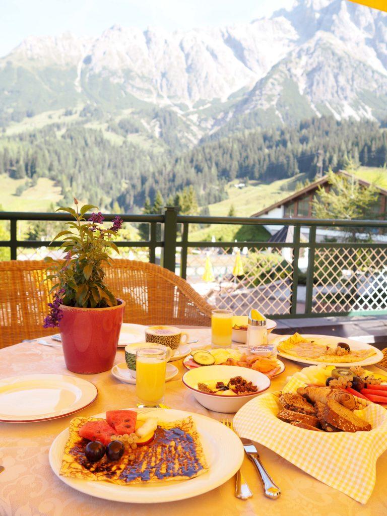 Frühstück im Hotel Übergossene Alm