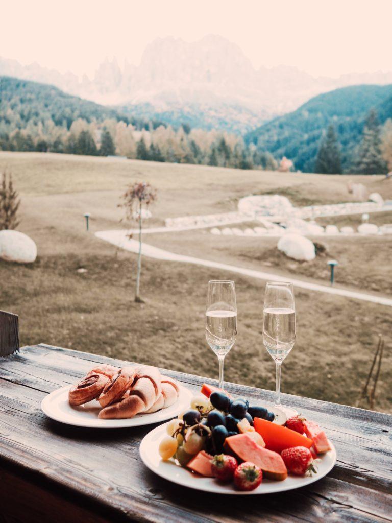 Ausblick-aus-Zimmer-Alpinea-Vajolet