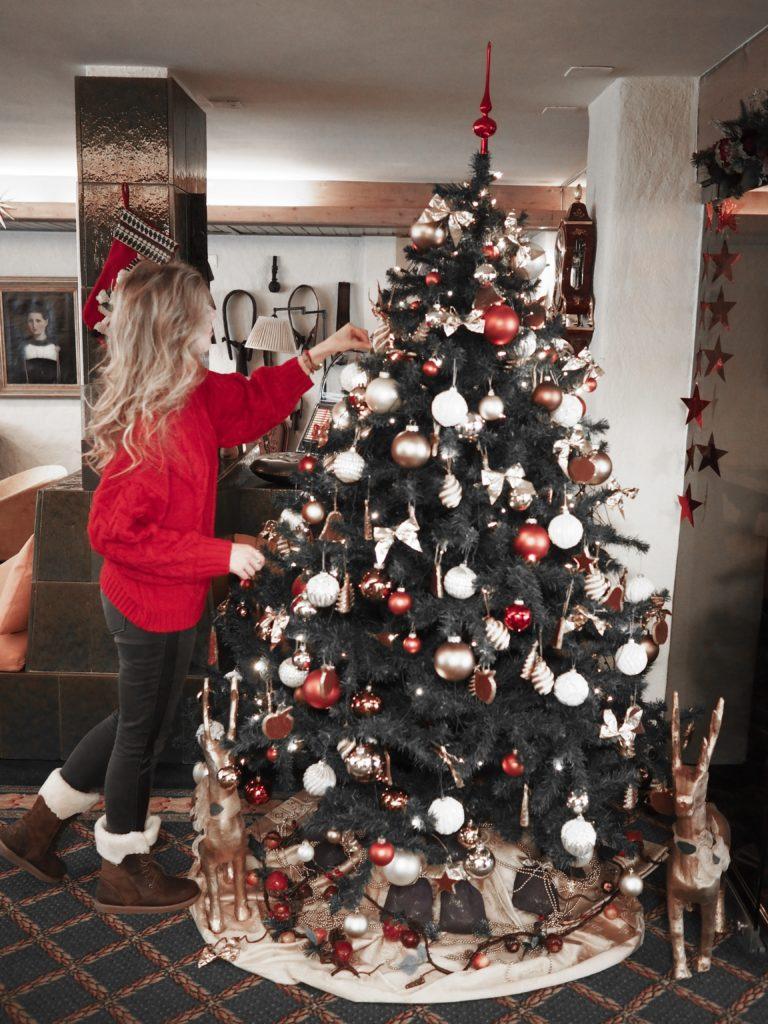 Weihnachtsbaum im Hotel Kreuz und Post Grindelwald