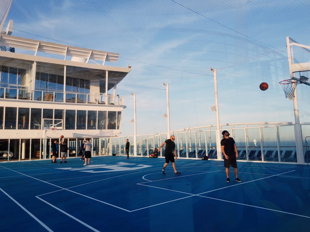 Basketballplatz-Symphony-of-the-Seas